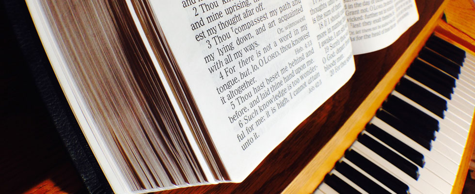 header-piano-bible
